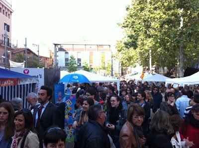 Sant Jordi - Plaça Vella por la tarde