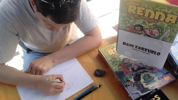 Dibujando en la parada de Landròmina